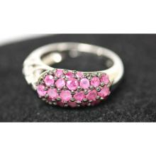 Lot 1086: .925 STERLING SILVER 0.79 CTW RUBY RING
