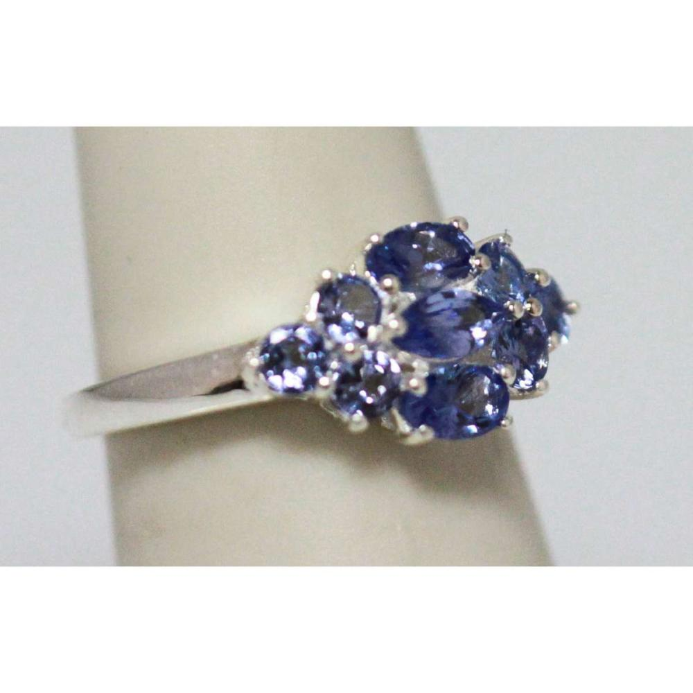 Lot 1093: 0.80 TANZANITE RING .925 STERLING SILVER