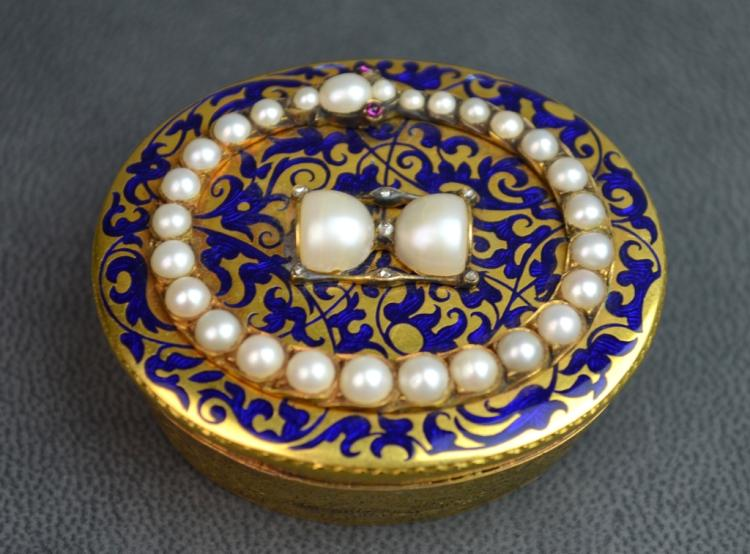 Victoria Enamel & Natural Pearl Gold Box