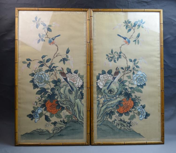 Pair of Chinese Framed Painting on Silk