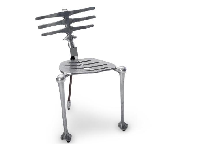 Chaise en forme de colonne