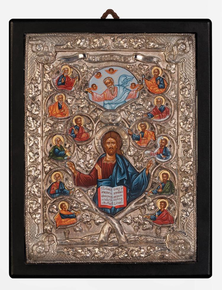Christ Pantocrator Bénissant, entouré des douzes apôtres, et dans le ciel, Dieu le père survolé par des anges. De sorte qu'on a Dieu le père en haut, le Saint Esprit sous la forme d'une colombe et Jésus Christ en Pantocrator.
