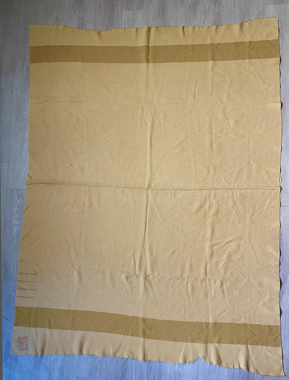 Hudson's Bay Co. 100% wool blanket, Golden 4 points