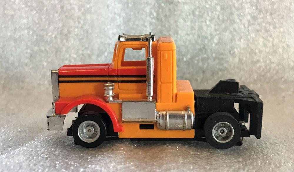 Tyco HO scale Slot Car Semi Truck