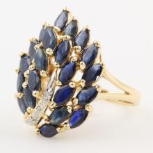 Gorgeous Classic Estate Ladies 14K Yellow Gold Diamond & Blue Spinel Ring