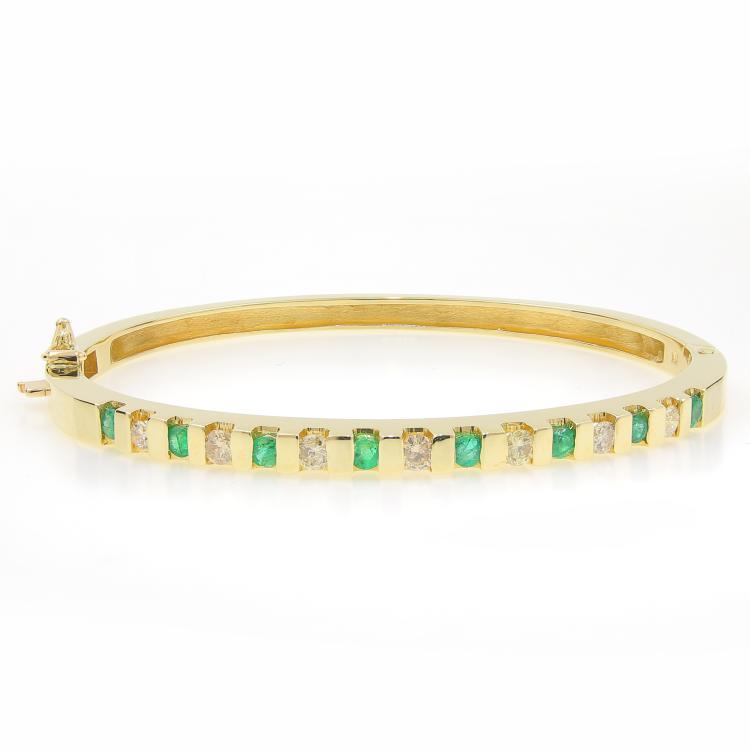 Classic Estate 14K White Gold Diamond Emerald Ladies 7