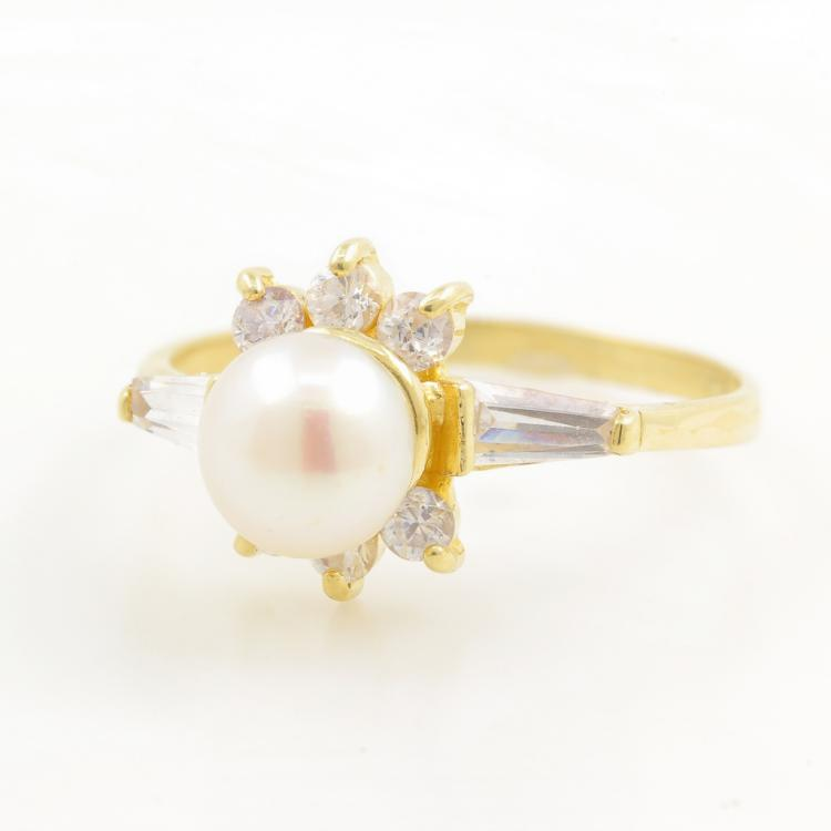 Vintage Classic Estate Ladies 14K Yellow Gold Cultured Pearl Cubic Zirconia Ring