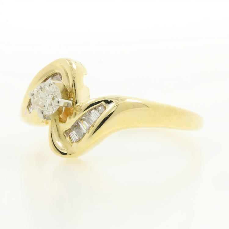 Beautiful Vintage Classic Estate 14K Yellow Gold Ladies Diamond Bypass Ring