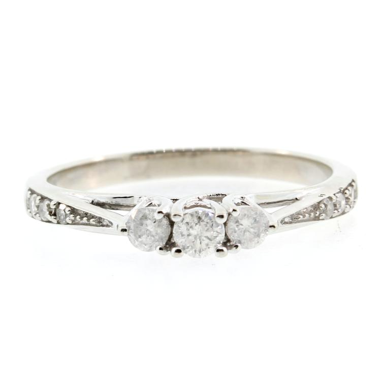 Vintage Estate 10K White Gold Three Stone Diamond Engagement Ring - 0.30CTW