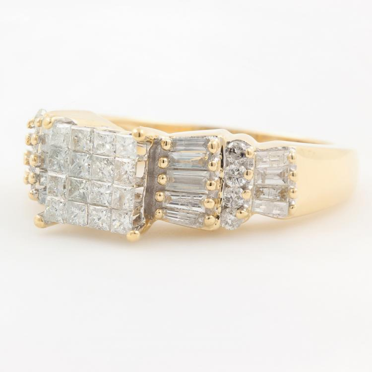 Stunning Modern 14K Yellow Gold Princess Cut Diamond Ladies Ring - 0.95CTW - NEW