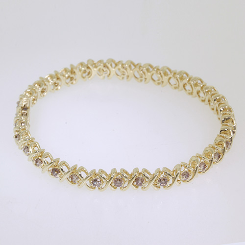 Vintage Estate Classic Ladies 10K Yellow Gold Stylish Diamond Tennis Bracelet