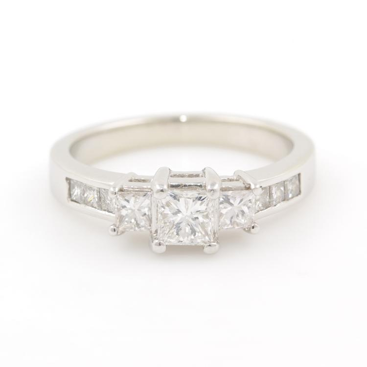 NEW Modern Ladies 14K White Gold Three Stone Diamond - 0.95CTW - Engagement Ring