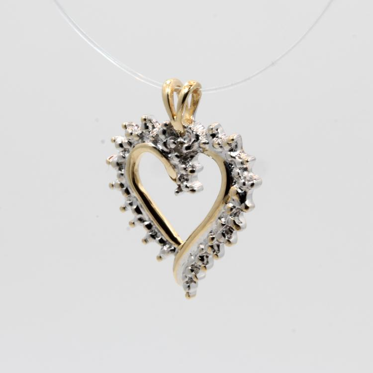 Ladies Vintage Estate 10K Yellow Gold Diamond Beautiful Sparkling Heart Pendant
