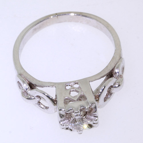 Vintage Estate Ladies 10K White Gold Charming Diamond Solitaire Engagement Ring