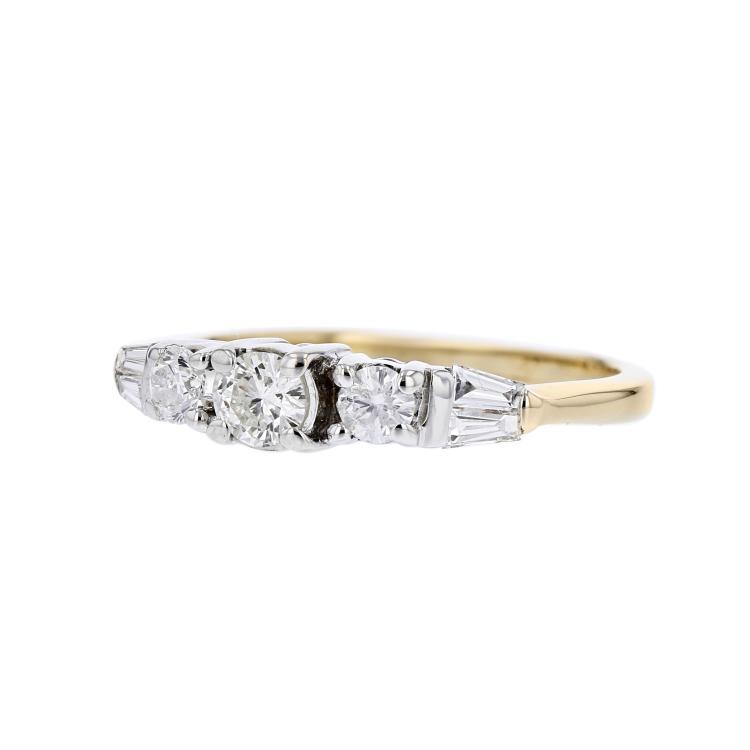 Charming Modern 14K Yellow Gold Ladies Diamond Ring - Brand New