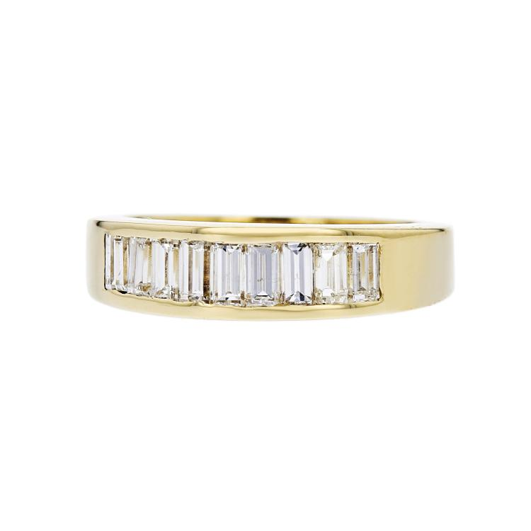 Elegant Modern 14K Yellow Gold Lady's Diamond Ring - Brand New