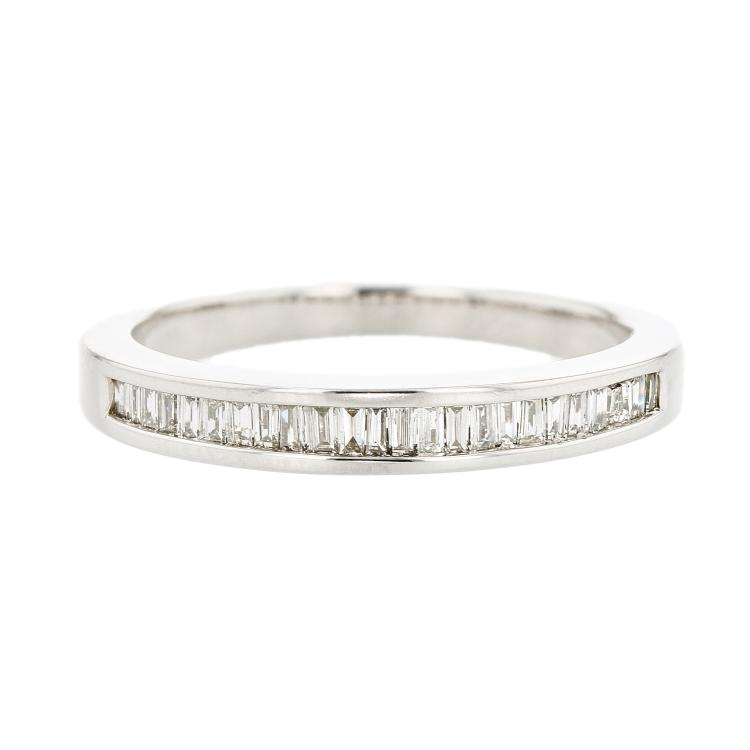 Charming Modern Ladies 14K White Gold Baguette Diamond Ladies Ring Band - New