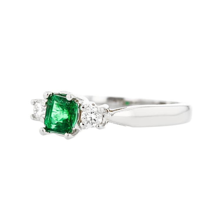 Stylish Modern Ladies 14K White Gold Diamond & Emerald Ring - Brand New