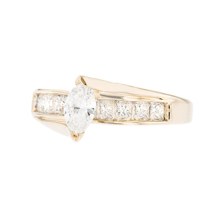 Elegant Modern Ladies 14K Yellow Gold Sparkling Diamond Ring - 1.31CTW - New