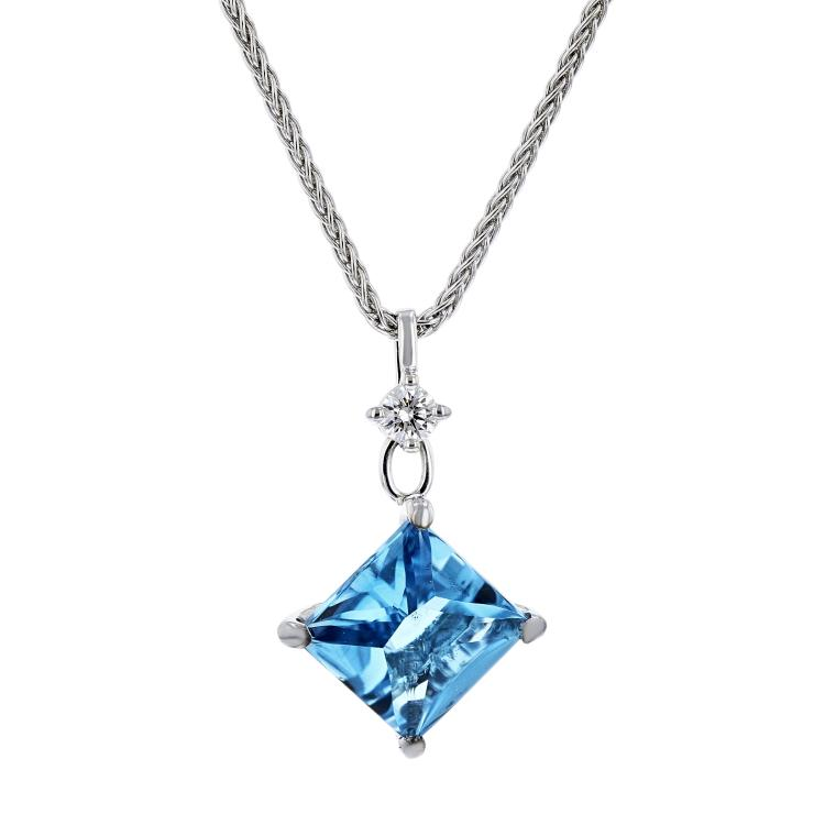 Stylish Modern Ladies 14K White Gold Blue Topaz & Diamond Necklace & Pendant Set