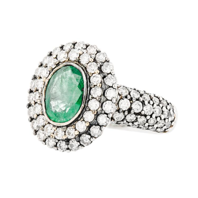Exquisite Modern 18K White Gold Emerald & Diamond (1.46CTW) Ladies Ring - New