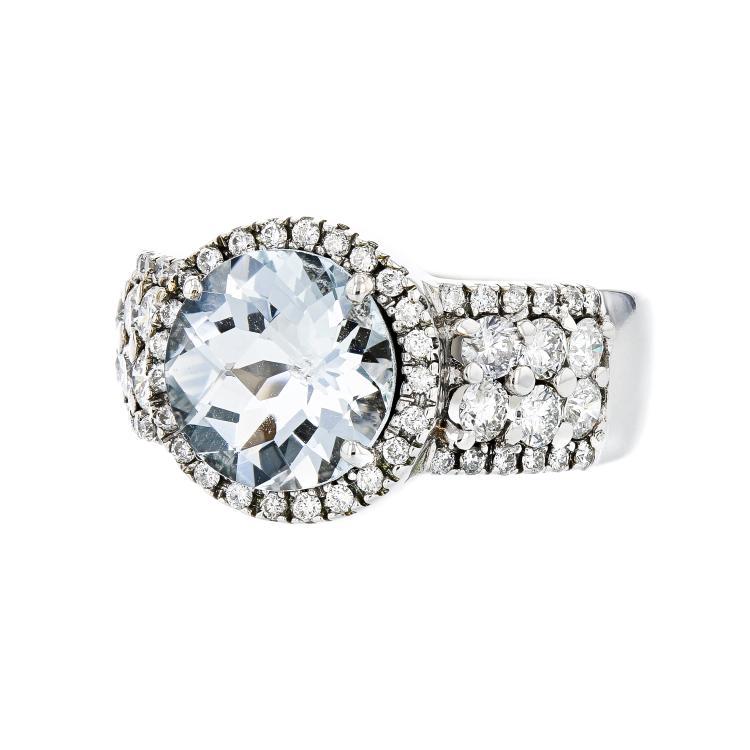 Beautiful 18K White Gold Women's Diamond & Aquamarine Ring - 1.17CT - Brand New