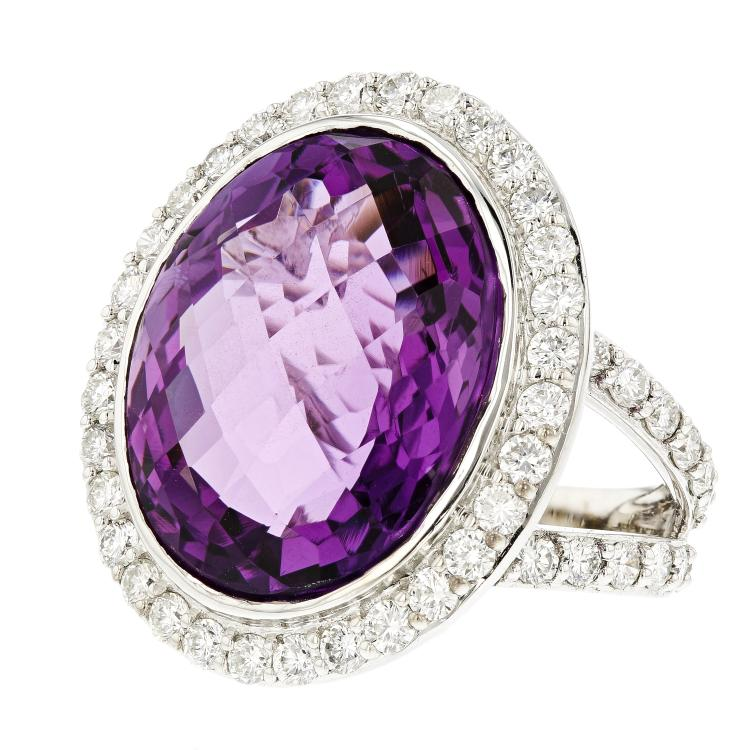 Exquisite Modern 18__ White Gold Women's Diamond & Amethyst Ring - 4.08CTW - New