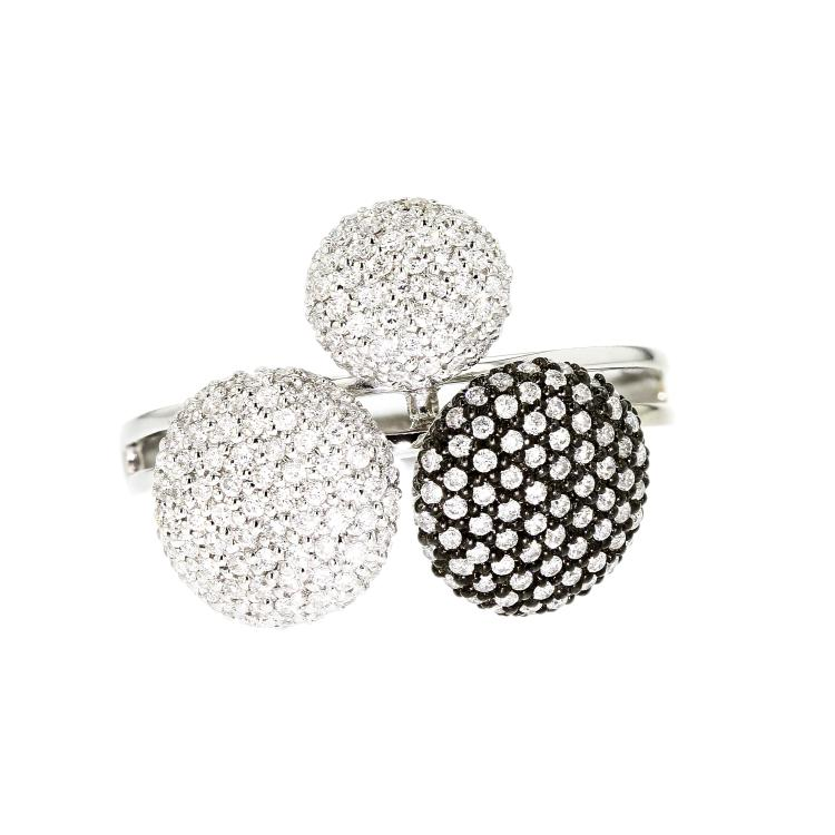 Stylish 18K White Gold Women's Unique Diamond Ring 1.25CTW - Brand New
