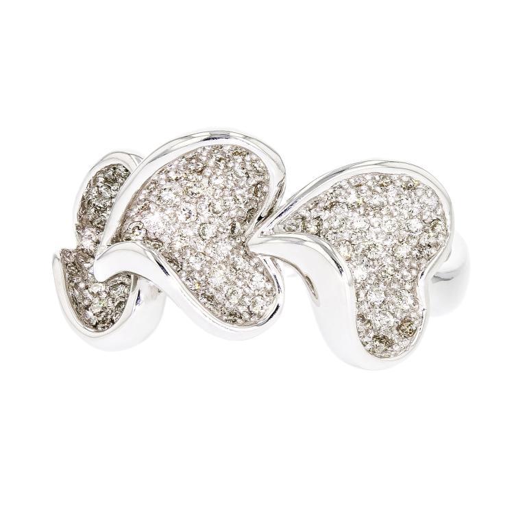 Lovely Heart-Shaped 18K White Gold Women's Diamond Ring - Brand New