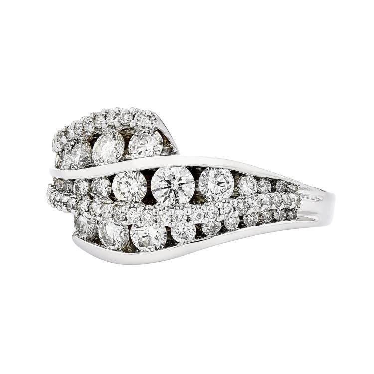 Beautiful 18K White Gold - 1.70CTW - Sparkling Diamond Women's Ring - Brand New