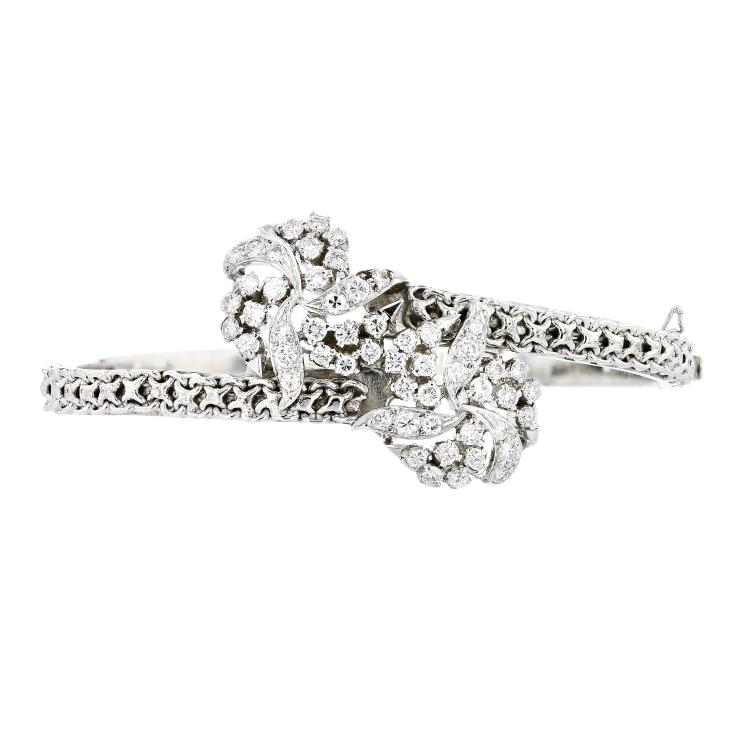 Elegant Flower Shaped 14K White Gold Women's Diamond Bangle Bracelet - 1.58CTW