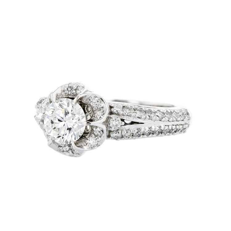 Gorgeous Flower-Shaped 14K White Gold Women's Diamond Ring - 1.49CTW - Brand New