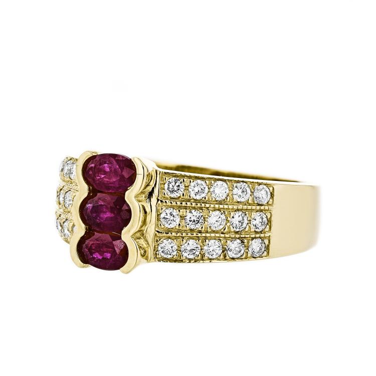 Gorgeous 14K Yellow Gold Diamond & Ruby Ladies Ring - Brand New