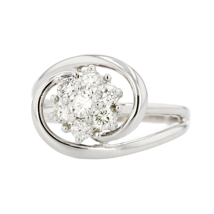 Beautiful Flower-Shaped 14K White Gold Women's Diamond Ring - Brand New