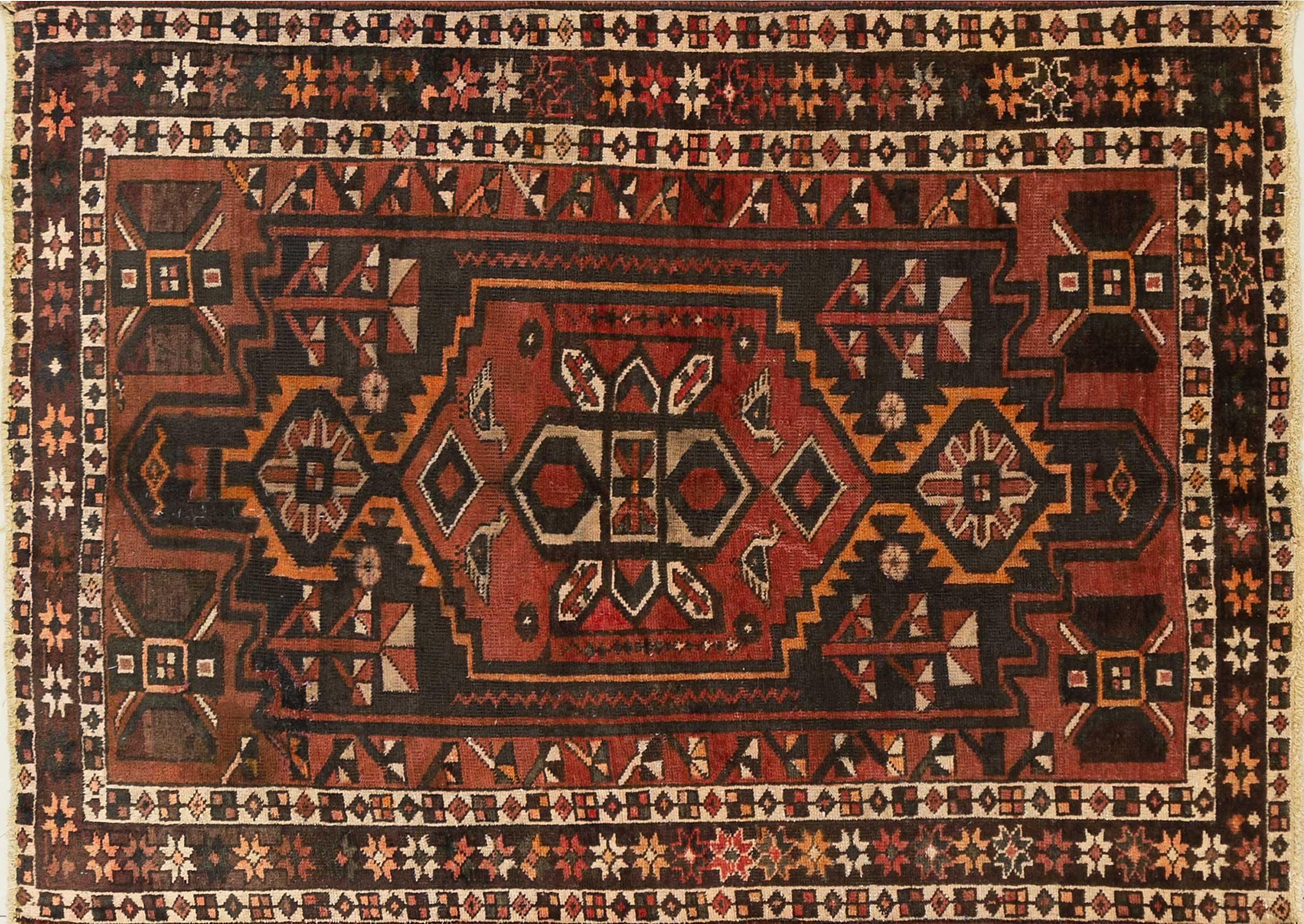 A Persian Hand Knotted Hamadan Rug, 210 x 150