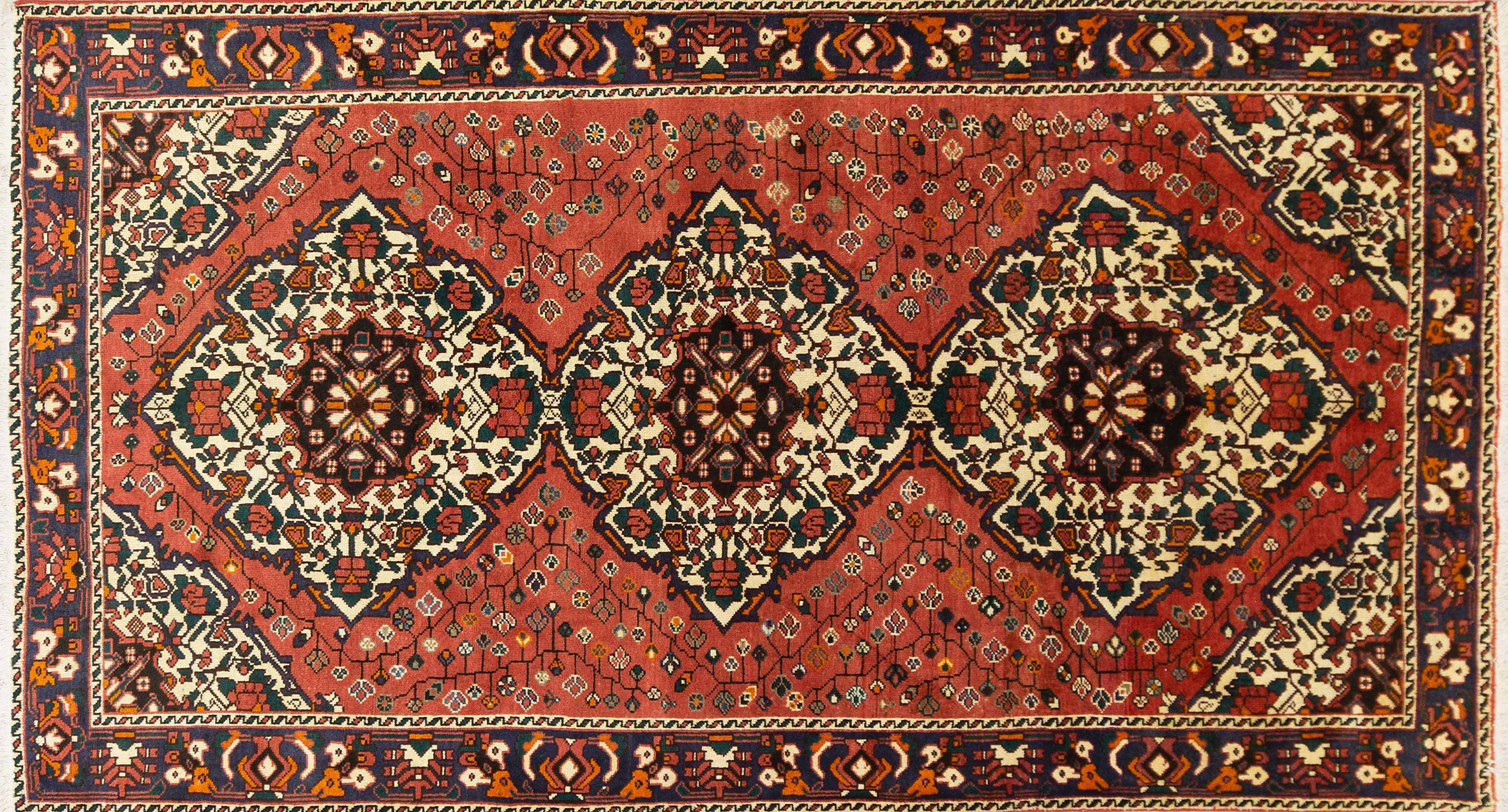 A Persian Hand Knotted Bakhtiari Rug, 301 x 165