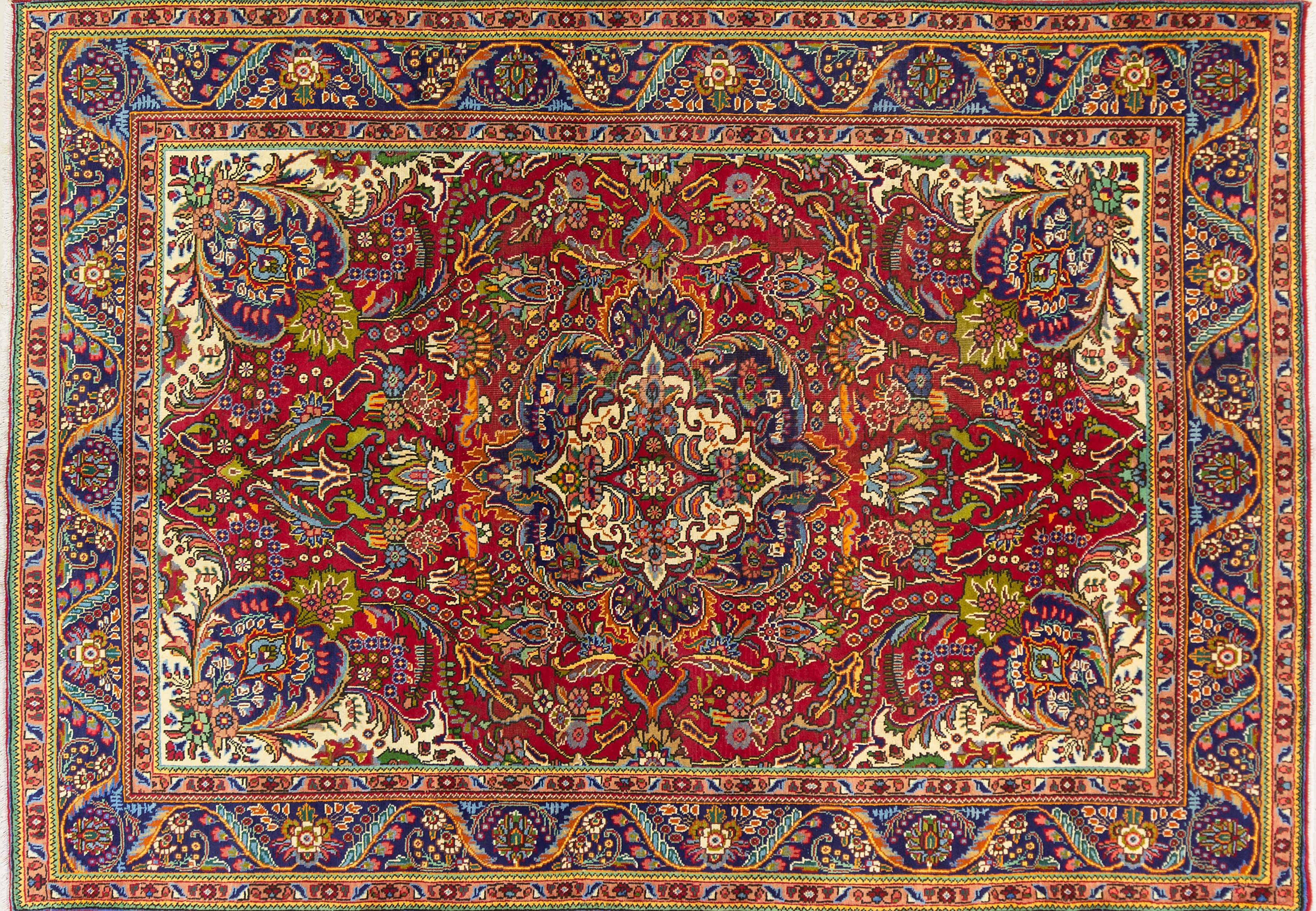 A Persian Hand Knotted Tabriz Carpet, 295 x 205