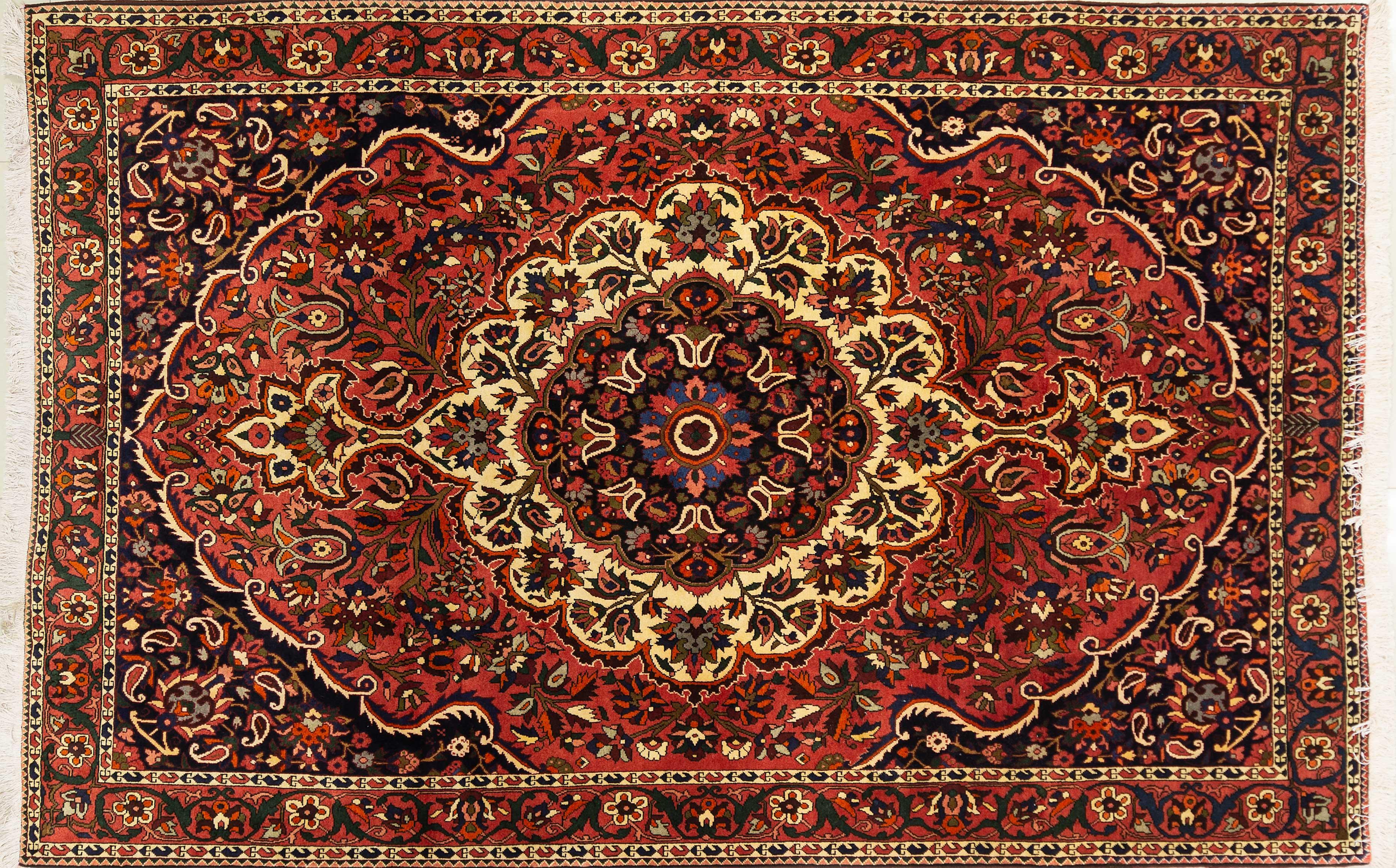 A Persian Hand Knotted Bakhtiari Carpet, 315 x 207