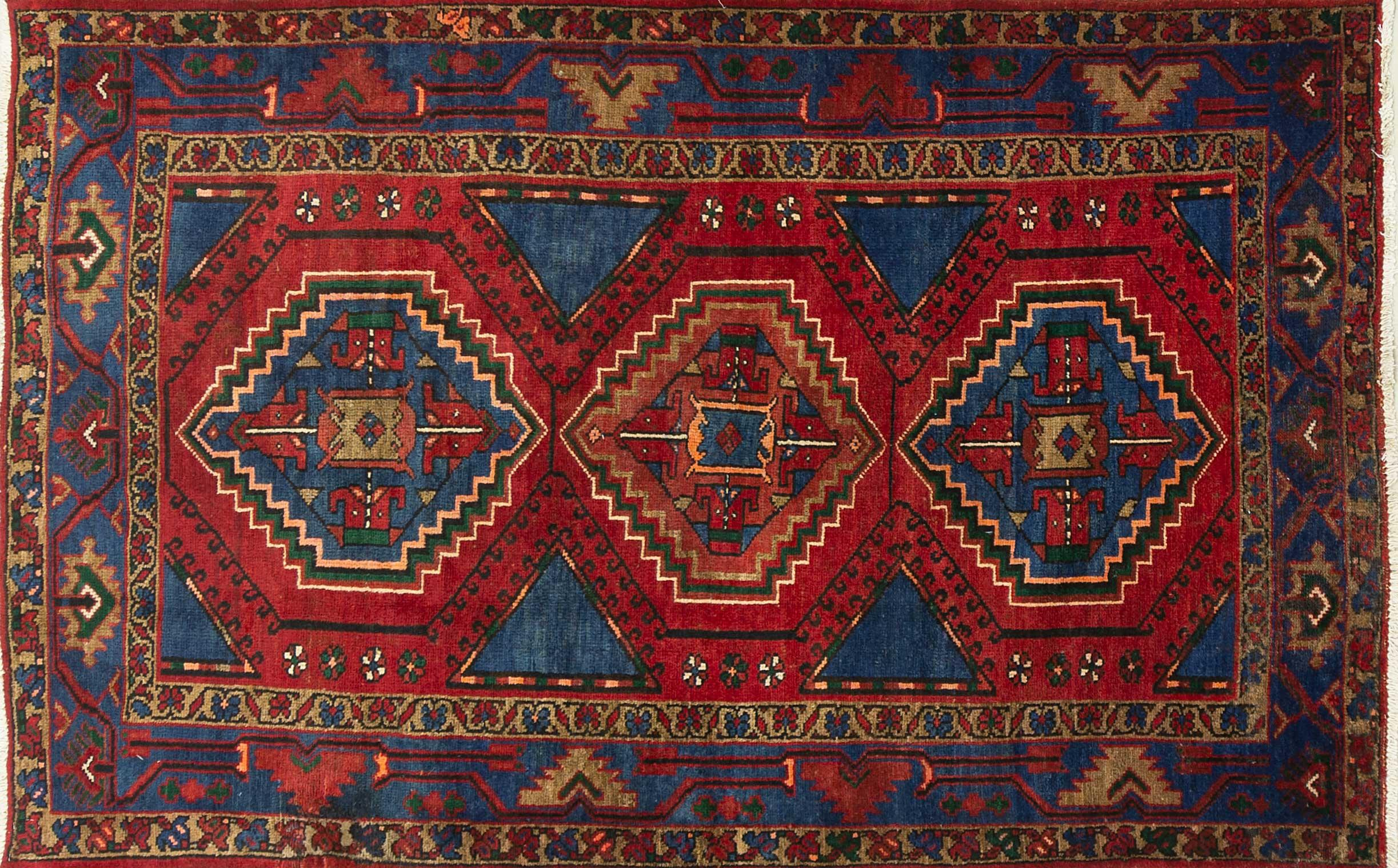 A Persian Hand Knotted Hamadan Rug, 214 x 132