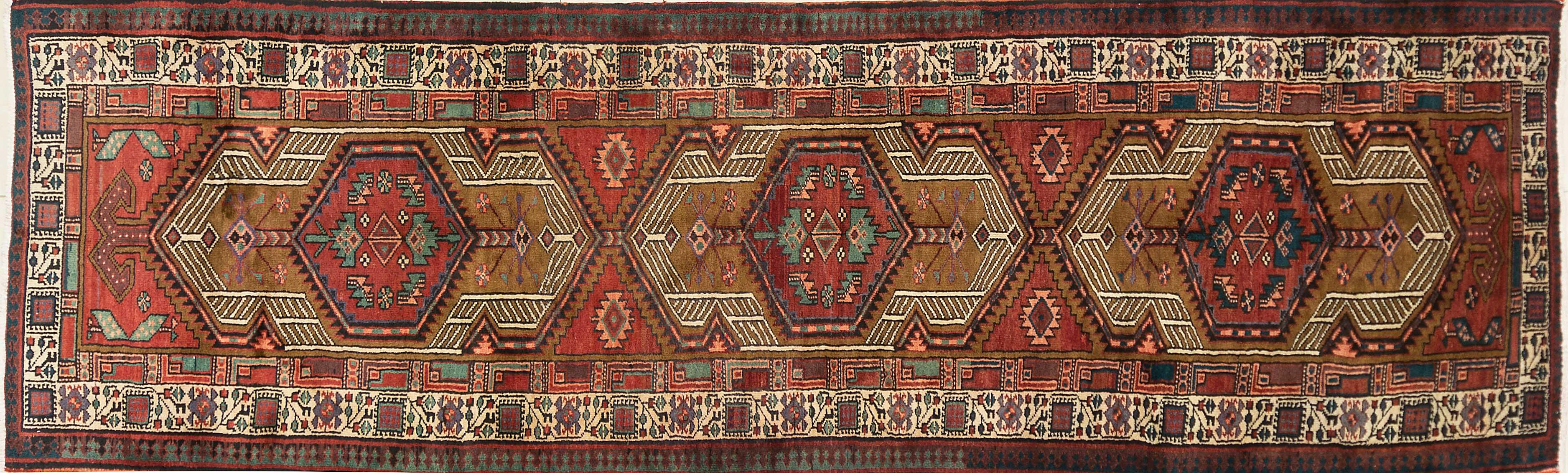 A Persian Hand Knotted Sarab Runner, 331 x 100