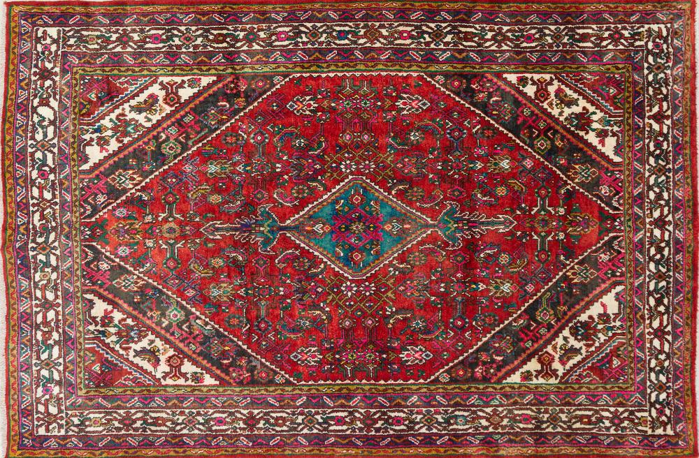 A Persian Hand Knotted Hamadan Carpet, 315 x 212