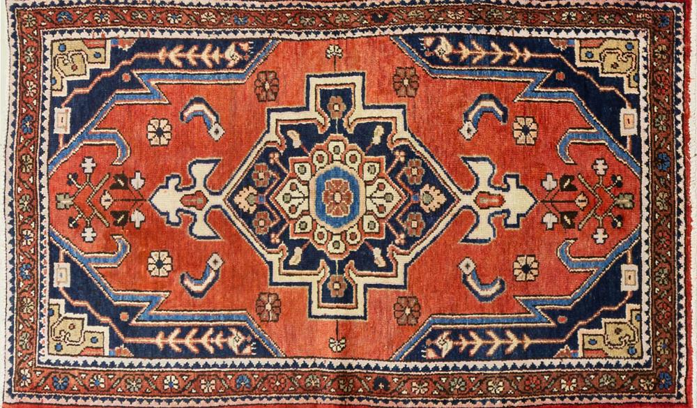 A Persian Hand Knotted Hamadan Rug, 182 x 102