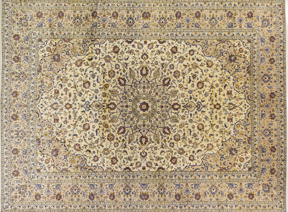 A Persian Hand Knotted Kashan Carpet, 390 x 290