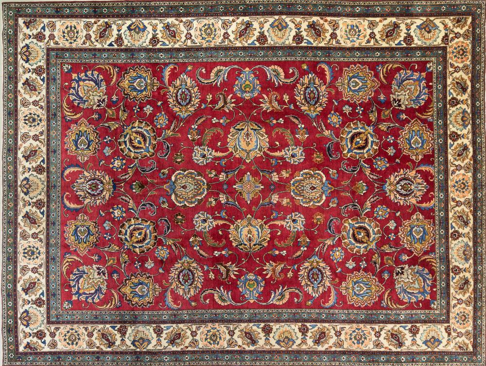 A Persian Hand Knotted Tabriz Carpet, 390 x 294