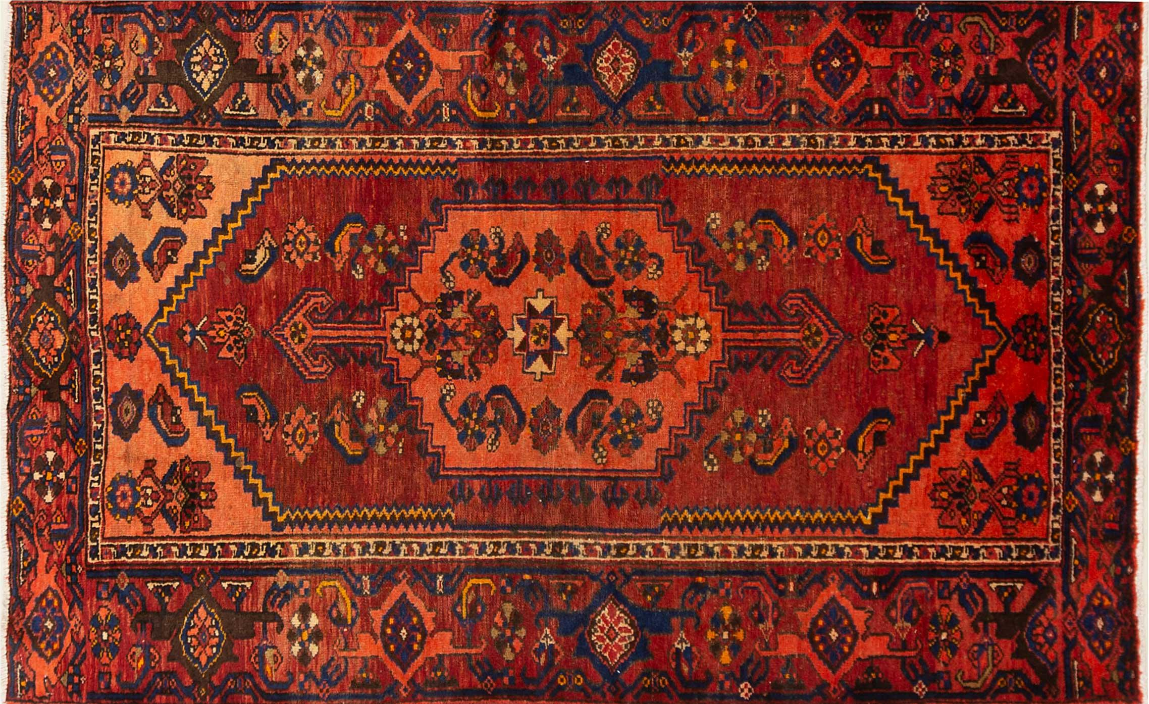 A Persian Hand Knotted Zanjan Rug, 196 x 120