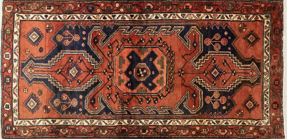 A Persian Hand Knotted Hamadan Rug, 205 x 100