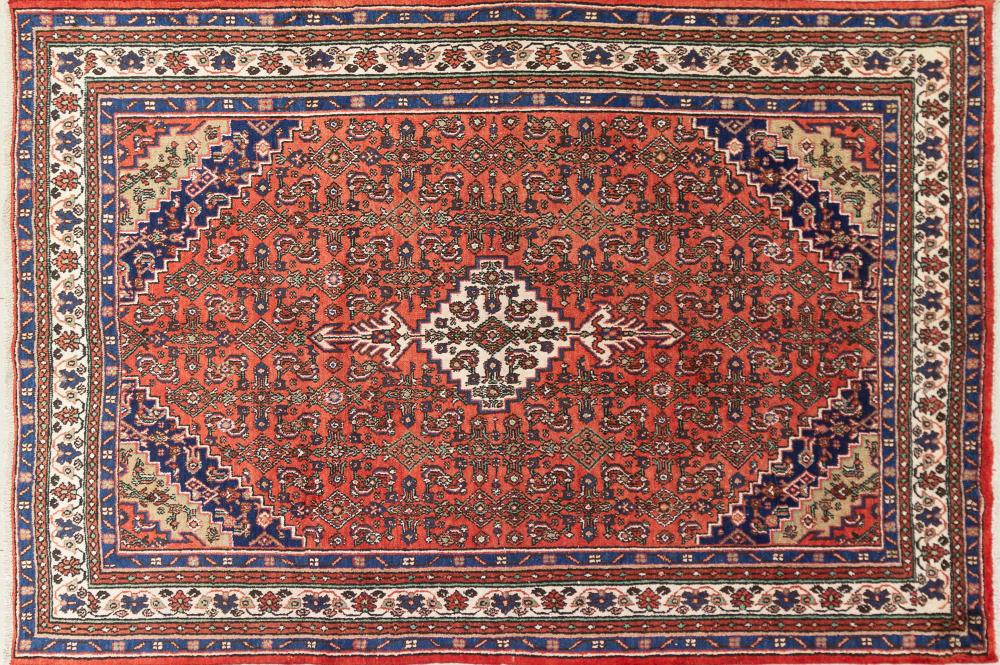 A Persian Hand Knotted Hamadan Carpet, 310 x 210