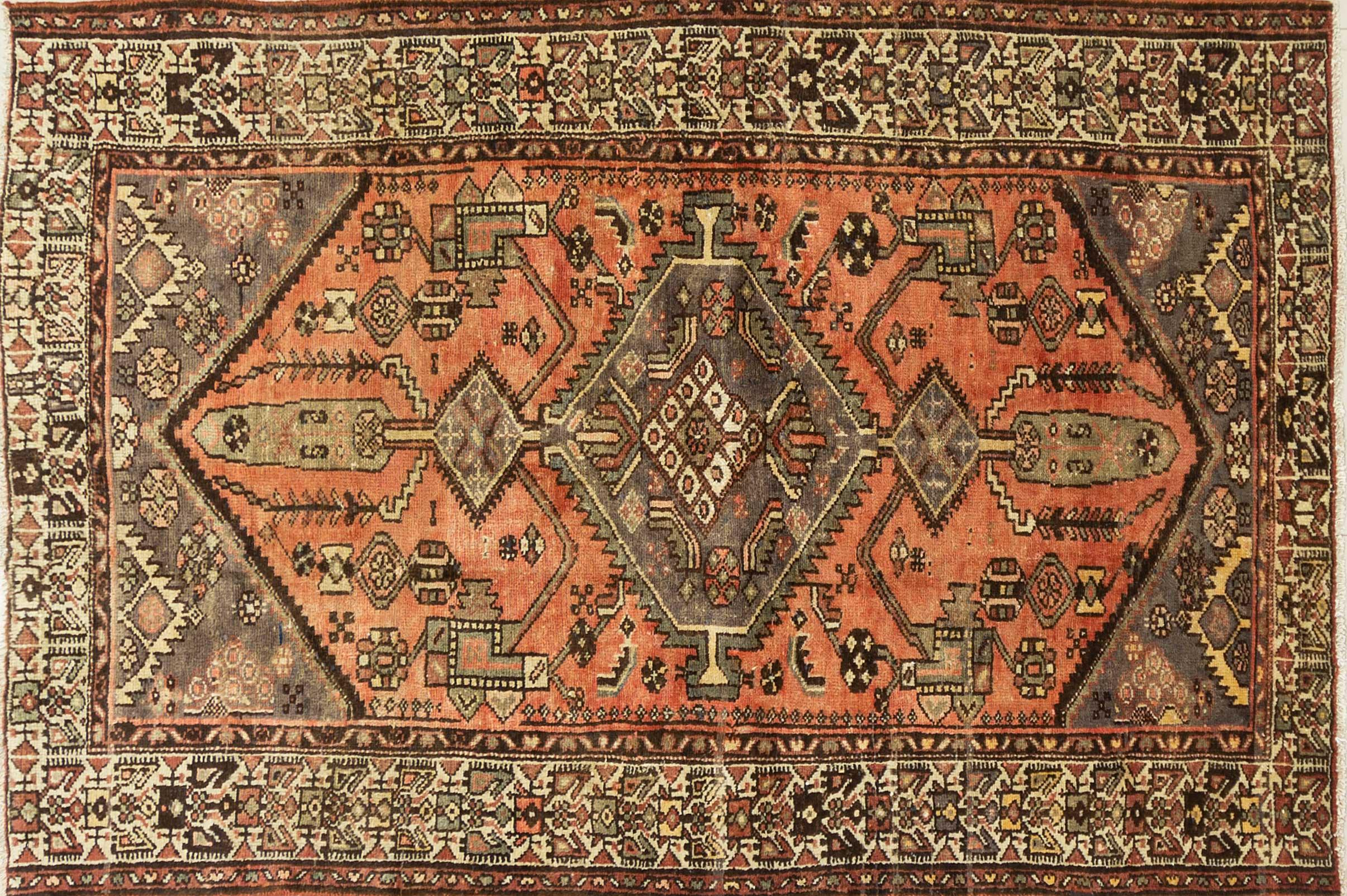 A Persian Hand Knotted Hamadan Rug, 202 x 137