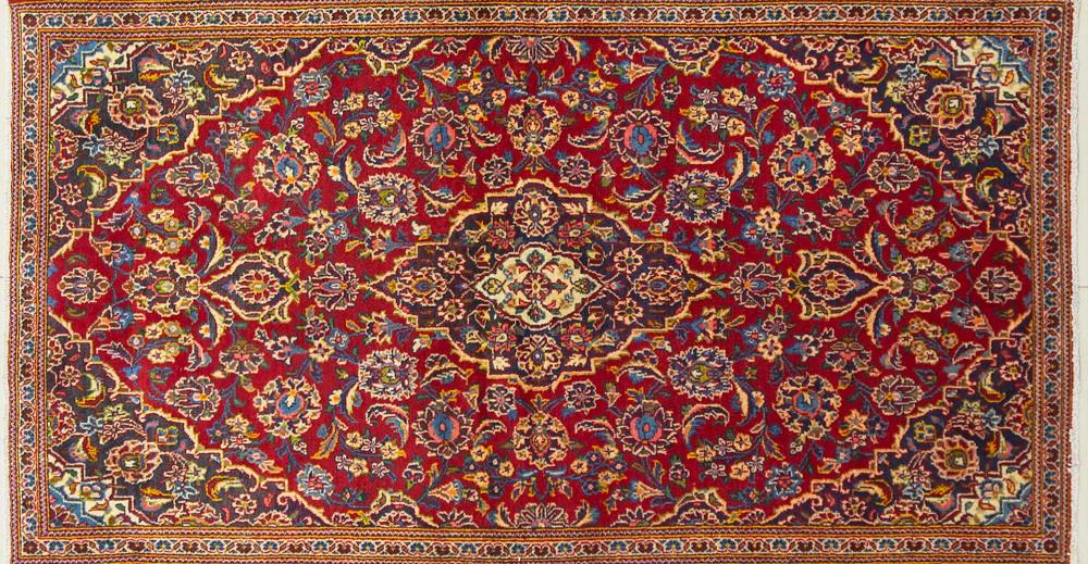 A Persian Hand Knotted Kashan Rug, 175 x 96