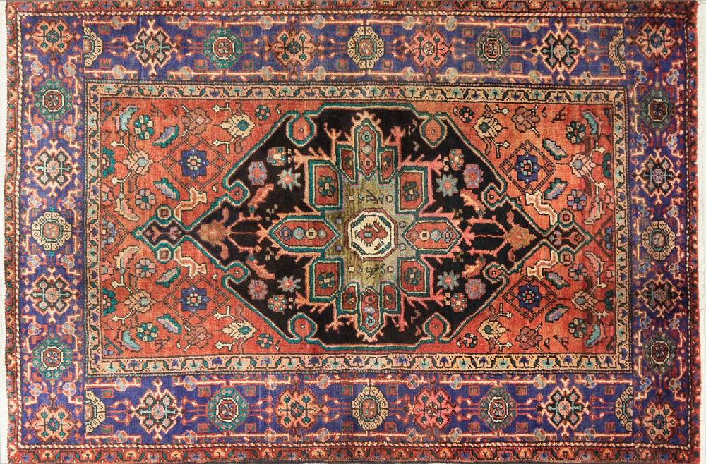 A Persian Hand Knotted Hamadan Rug, 203 x 120
